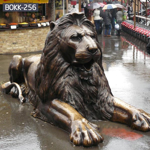 Metal bronze garden statues of decorative sitting lions outdoor ornaments