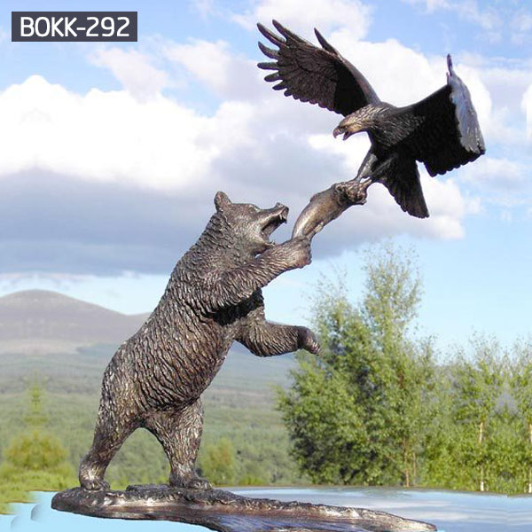 Large grizzly bear statues holding fish and eagle outdoor bronze ornaments arts