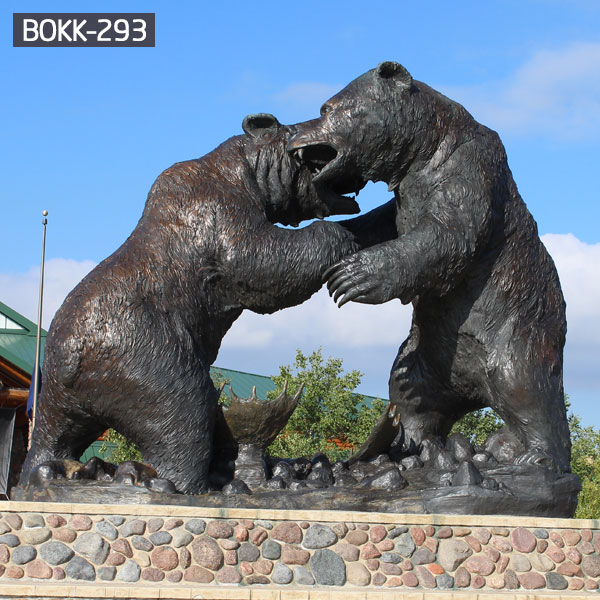 Standing giant bronze bear fighting lawn decor outdoor