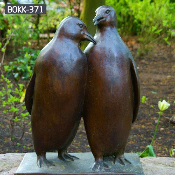 A pair of cute bird bronze casting garden sculpture