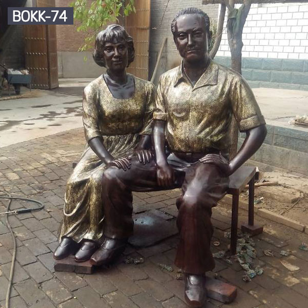 Custom make life size bronze metal couples sitting on the benches statues from a photo for sale