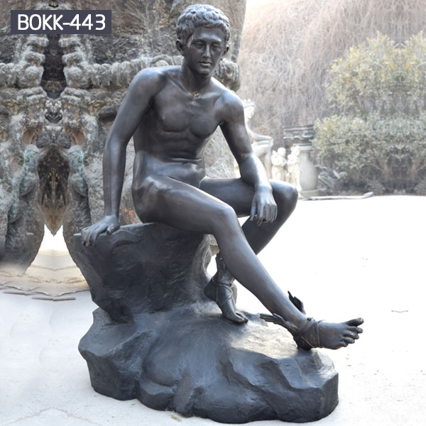 Outdoor garden decor nude sitting man statues for sale