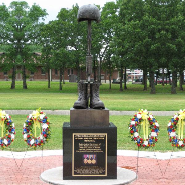 Bronze Boots Rifle and Helmet Statue Design Battlefield Cross Memorial Life Size Military Statues for Sale--BOKK-523