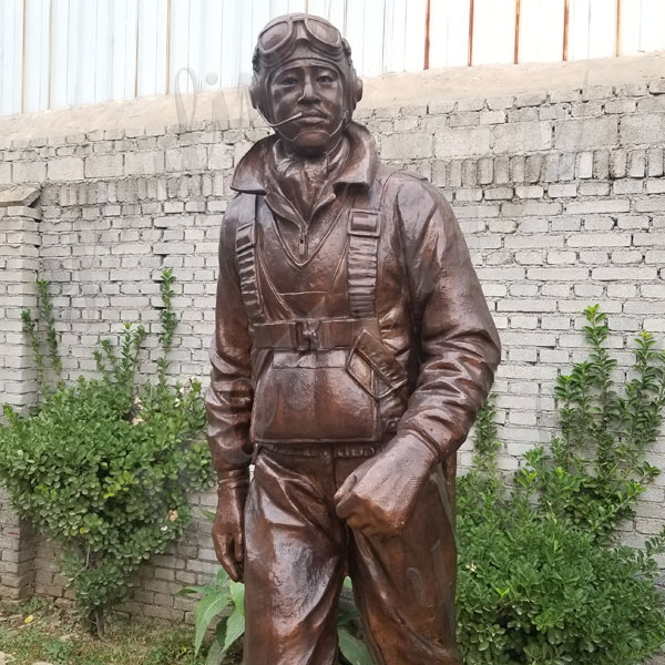 Madetuskegee Airmen Statue Monument Replica Life Size Statue Commission for Our American Friend for Sale